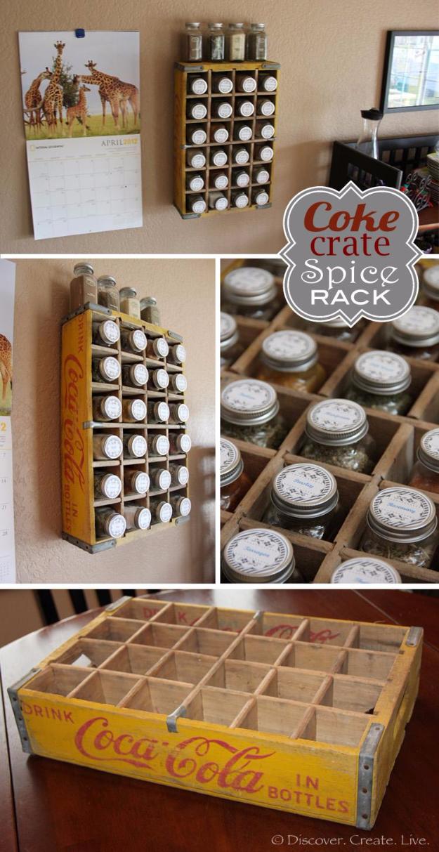 Régi coca-cola láda átalakítása fűszerpolcá