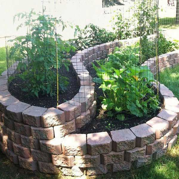 7. Használj a tereprendezési köveket, hogy kreálj egy lenyűgöző faragott kertet az udvarodban