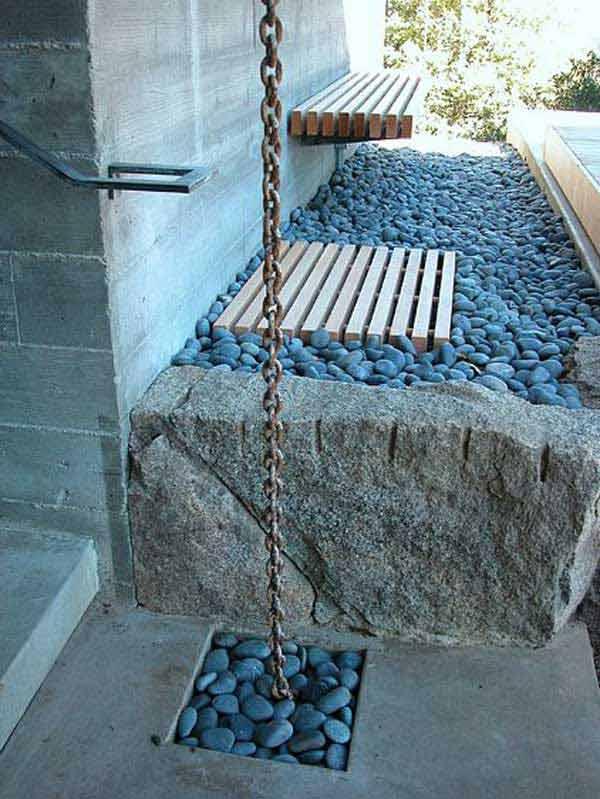 Sötét válogatott kövek teraszra bejárathoz
