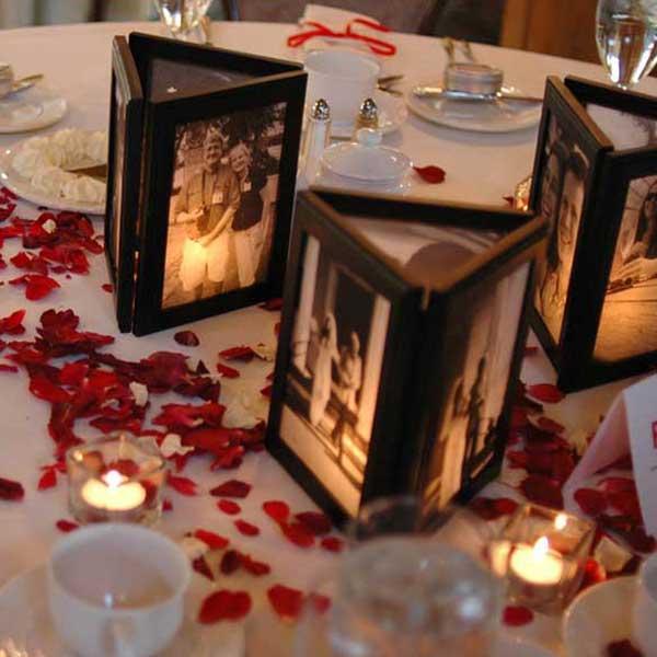 asztaldísz képkeretekből esküvőre