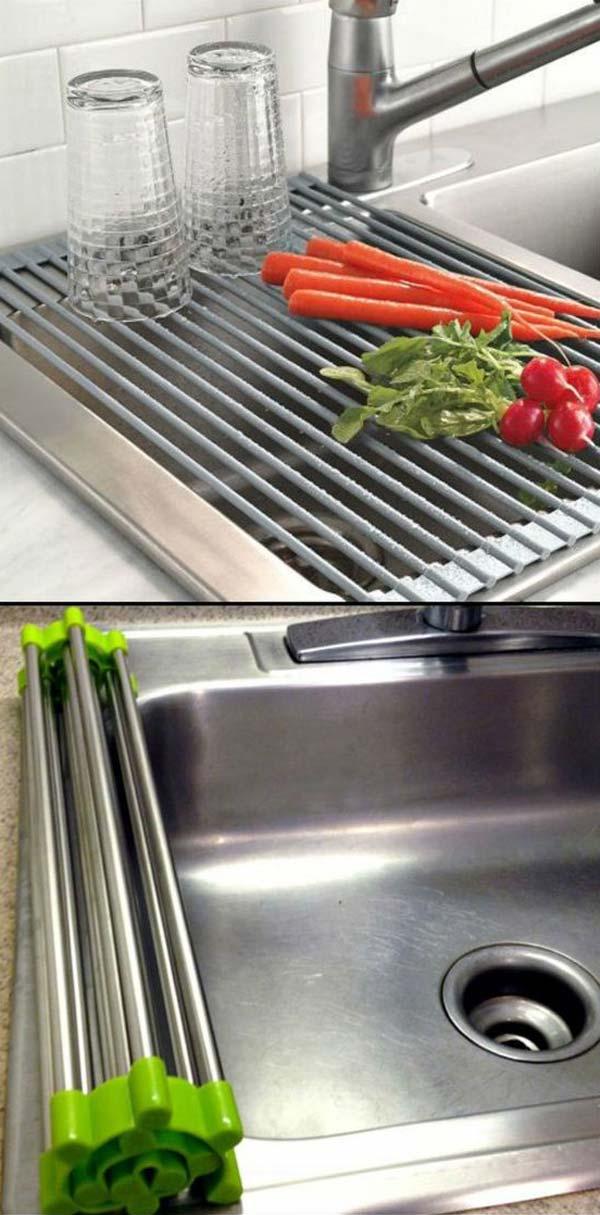 1. A feltekerhető szárító állvány ügyesen kihasználja a rendelkezésre álló helyet a mosogató felett